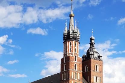 jak wygląda kościół mariacki w krakowie